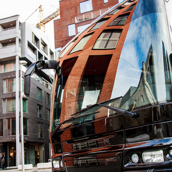 Globuss - Peobuss, bussi esiots linnatänavatel, Rotremanni kvartal